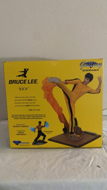 DC Select Toys Kicking Bruce Lee Figure Gallery PVC